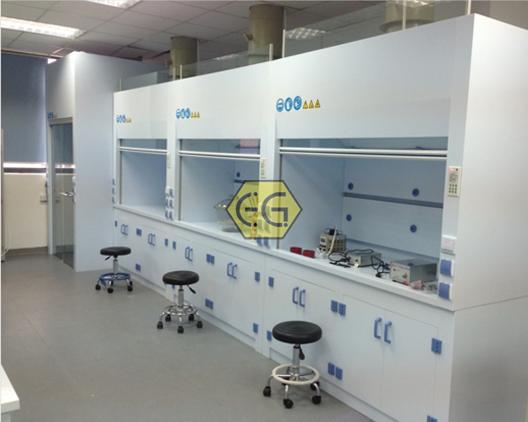 实验室通风柜材质哪种好,金属还是塑料?